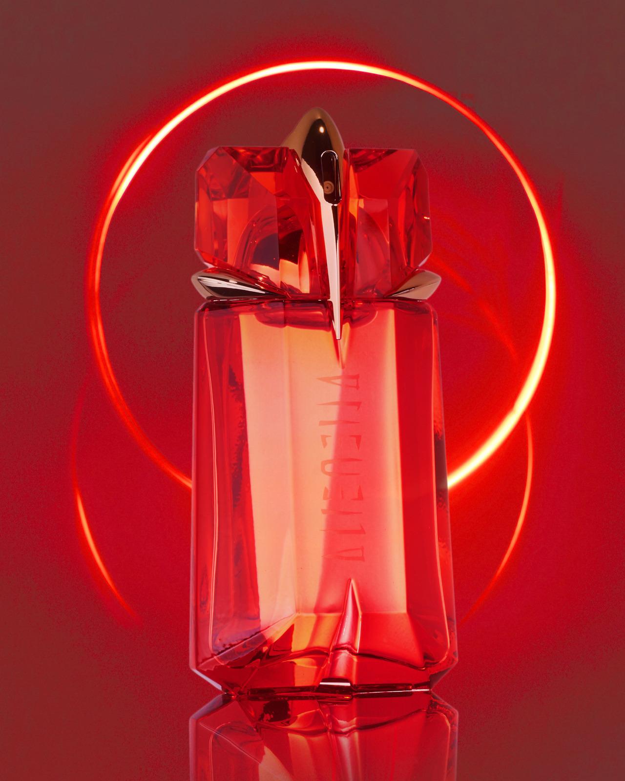 Alice Santini, photographe, photographer, Paris, studio, publicité, film, vidéo, parfum, fragrance